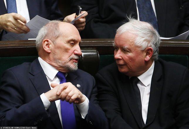 Katastrofa smoleńska. Antoni Macierewicz oraz Jarosław Kaczyński (zdj. arch.)
