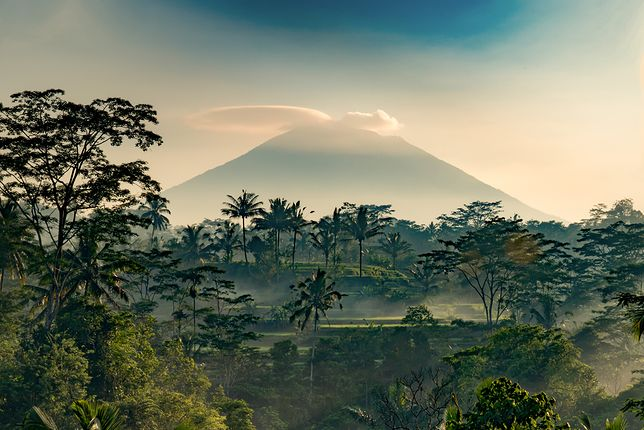 Wulkan Agung to jedna z wielkich atrakcji turystycznych Bali