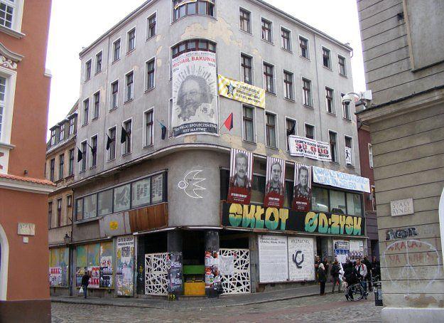 Anarchiści opuszczą skłot na Starym Rynku w Poznaniu. Dostaną za to 125 tys. zł