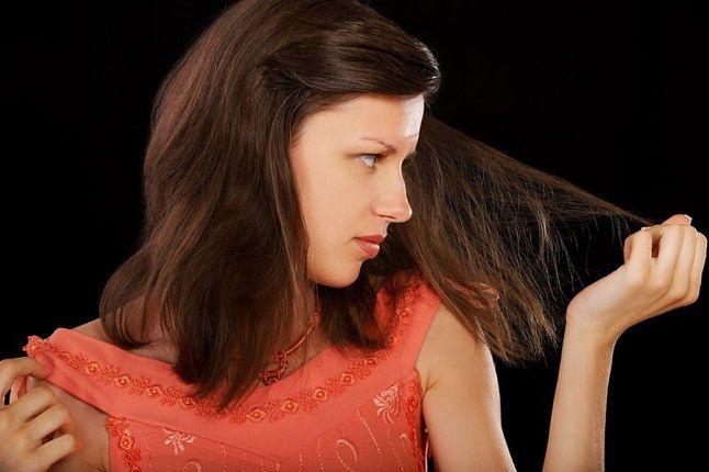 Przyczyny przerzedzenia włosów