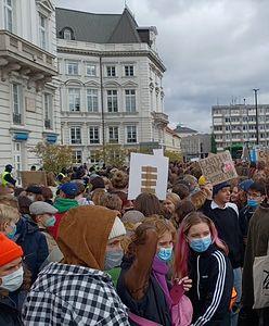 """Protestują nie tylko w Warszawie. """"Wszyscy mamy dziś jeden cel"""""""