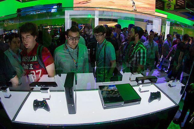 Porażka Microsoftu? PlayStation 4 bije na głowę nowego Xboksa