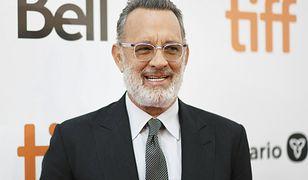 Tom Hanks jest nie do poznania! Zdjął czapkę, a w studiu wybuchnęli śmiechem