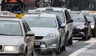 W Olsztynie taksówki nie tylko do przewożenia ludzi. Przydadzą się także w trakcie… pożaru
