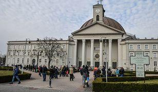 Bydgoszcz. Ksiądz dał schronienie bezdomnym w kaplicy