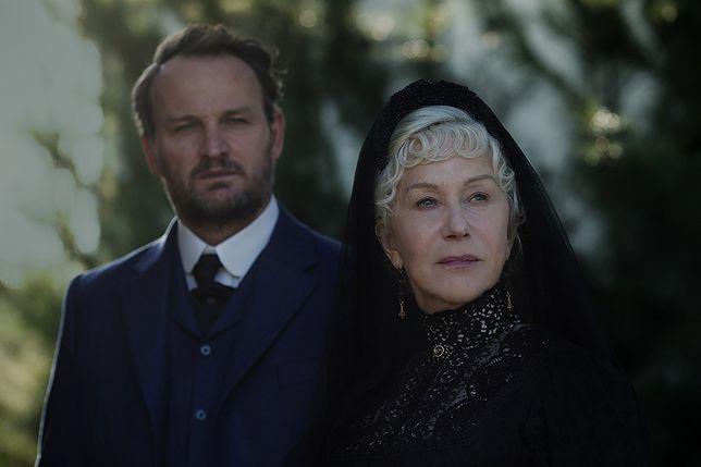 """Jason Clarke i Helen Mirren w filmie """"Winchester: Dom duchów"""""""