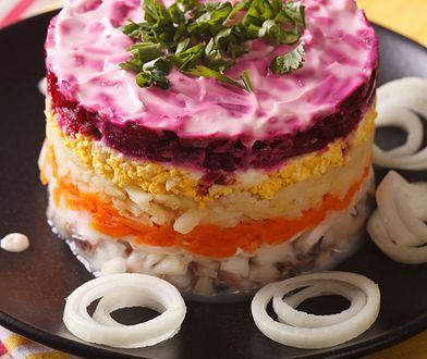 Śledziowa sałatka szuba to jedna z popularniejszych sałatek na święta