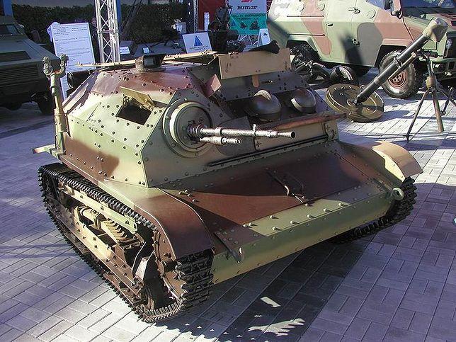 TKS uzbrojony w karabin maszynowy