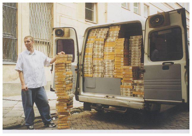 Polski Bus - czyli dostawa pudełek z polską wersją Baldurs Gate