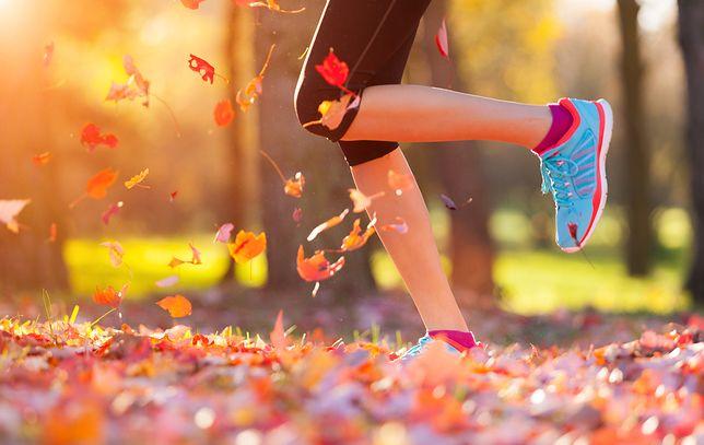 Odpowiednie buty do biegania umilą ten sport jesienią