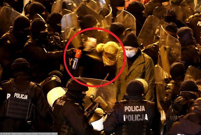 Stajk Kobiet. Barbara Nowacka dostała gazem