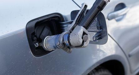 Polacy chętniej jeżdżą na gazie