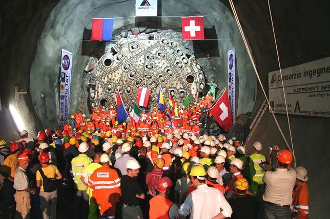 Otwarto Gotthard-Basistunnel - najdłuższy tunel kolejowy na świecie