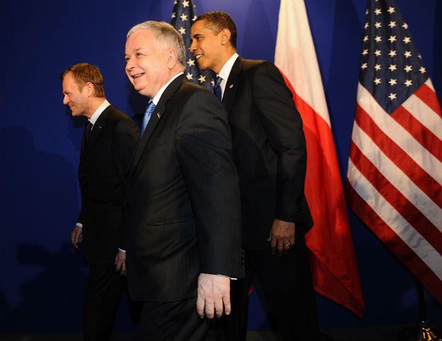Donald Tusk, Lech Kaczyński i Barack Obama w 2009 roku na spotkaniu UE-USA w Pradze