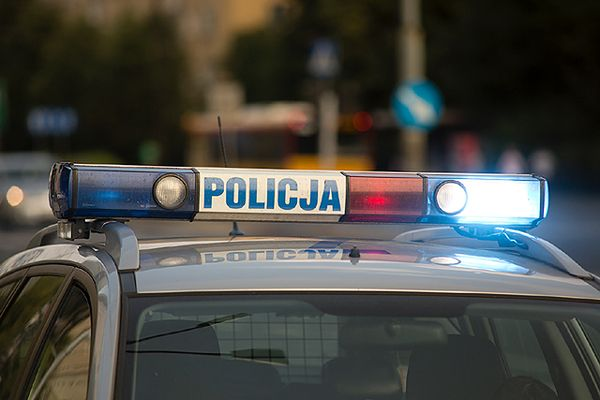 Zderzenie radiowozu z autobusem komunikacji miejskiej w Olsztynie. Są ranni