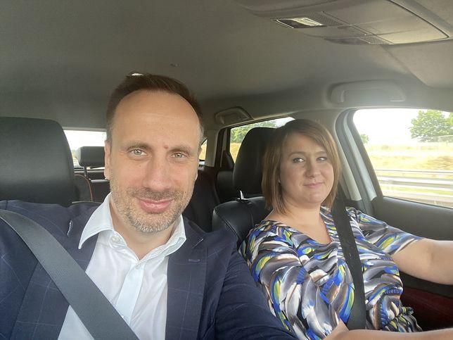Janusz Kowalski i Anna Siarkowska w drodze na kontrolę w Nowym Dworze Gdańskim