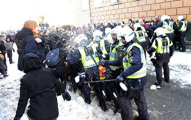 Demonstracja neonazistów w Sztokholmie. Starcia z antyfaszystami