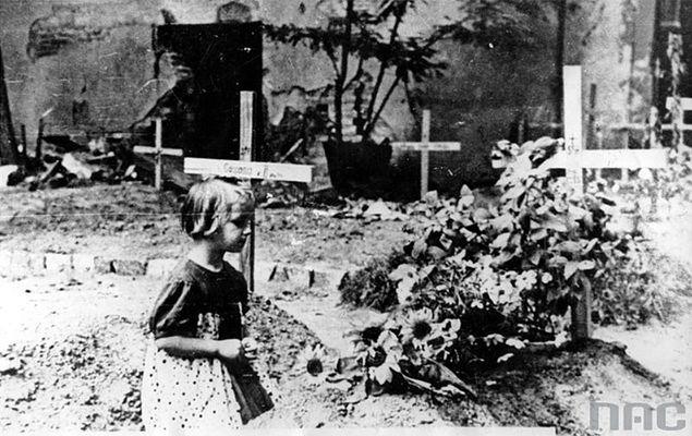 70 lat temu po 63 dniach walki upadło powstanie warszawskie