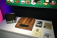 Retromaniak: Apple-1 – premiera polskiej repliki i szczypta historii - Replika Apple-1 w Apple Muzeum Polska w całej okazałości