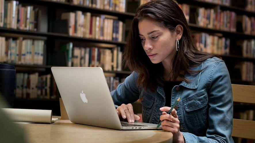 Nowy MacBook Pro – Touch Bar dynamiczny i na miarę potrzeb #Mac