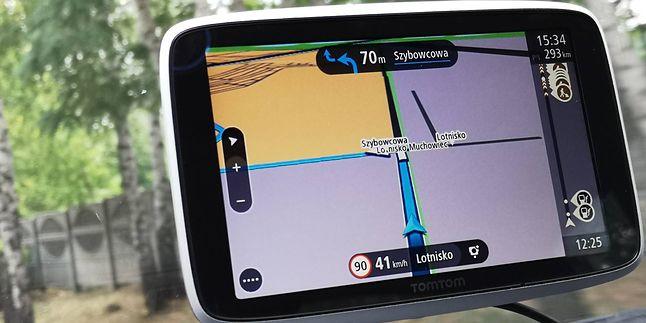 """TomTom GO Premium, przykład """"klasycznej"""" nawigacji. Fot. Oskar Ziomek"""