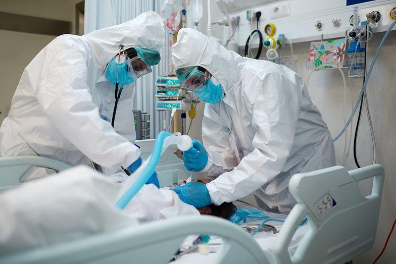 Przerażające wyniki badań o koronawirusie i grypie. Ryzyko śmierci rośnie