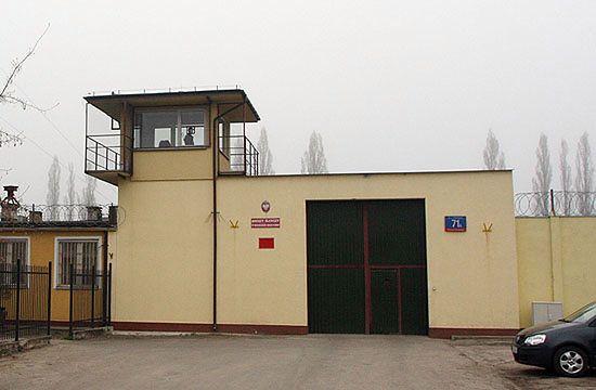 Więzienia oszczędzają: jedna rolka na miesiąc