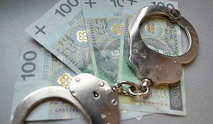Przestępcy próbowali wyłudzić z banków codziennie niemal milion złotych