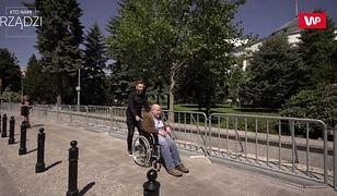 """Trwa protest w Sejmie. Niepełnosprawny senator PO Jan Filip Libicki w """"Kto nami rządzi?"""" o 9:00"""