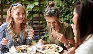 Gdzie najczęściej jedzą Polacy? Wyniki raportu
