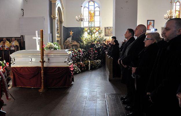 Msza św. podczas uroczystości pogrzebowych Łukasza Urbana