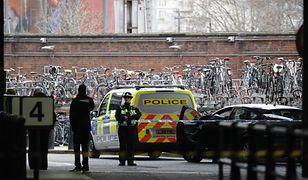 Policja podczas zabezpieczania dworca Waterloo w Londynie (zdj. arch.)