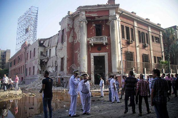 Eksplozja przed włoskim konsulatem w centrum Kairu