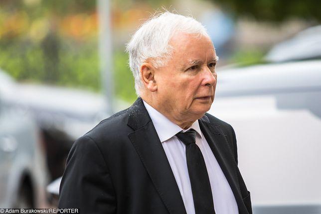 """Jarosław Kaczyński korespondował z """"Emi"""". Prezes twierdzi, że jej nie zna"""