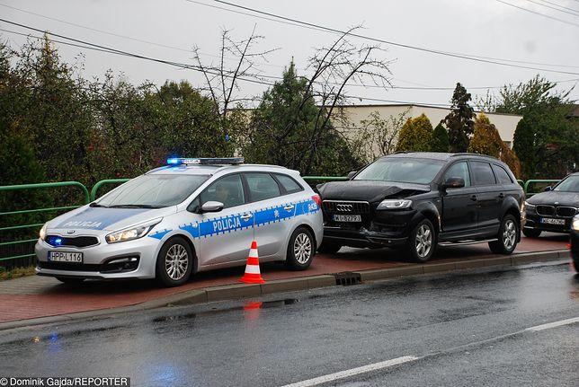 """Kierowcy i ochrona polityków z gigantycznymi nagrodami. 5 mln zł rozdano """"według uznania"""""""