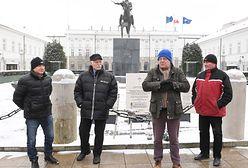 """Bliscy ofiar katastrofy w Smoleńsku wypowiedzieli się nt. pomnika. """"Należy zacząć budować"""""""
