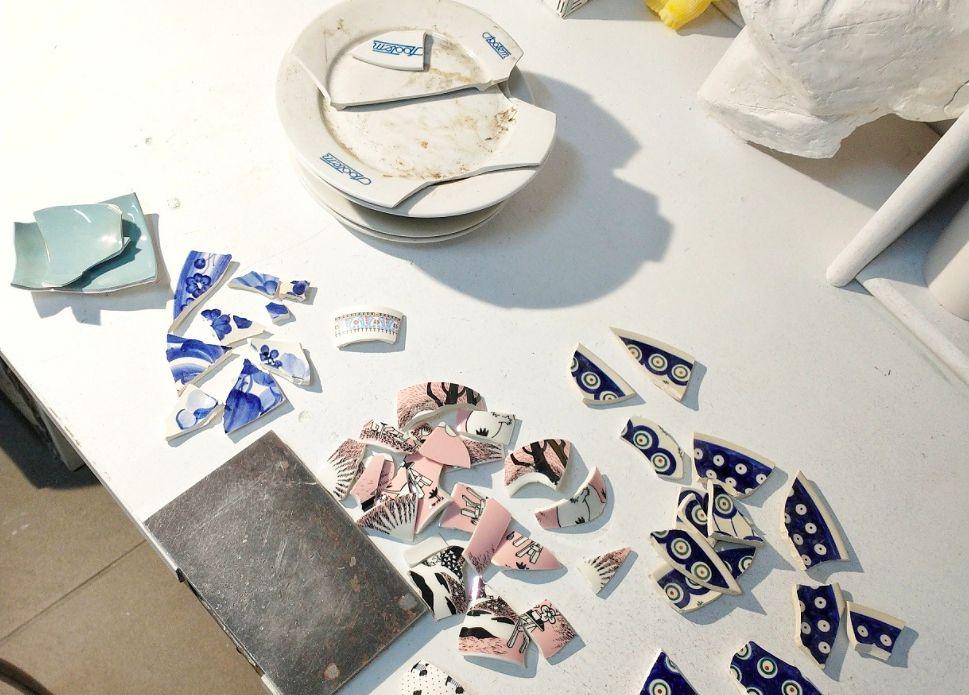 Warszawa. Biżuteria z potłuczonych talerzy, drukarki 3D, zaskakujących materiałów, a także inne fascynujące wyroby odnajdziemy w pracowniach otwartych na trzecią edycję Nocy Rzemiosł