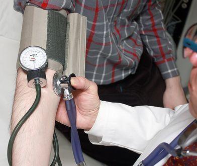 Według nowych przepisów, po długiej chorobie prawo do kolejnego zasiłku chorobowego zyskamy dopiero po 90 dniach w pracy.