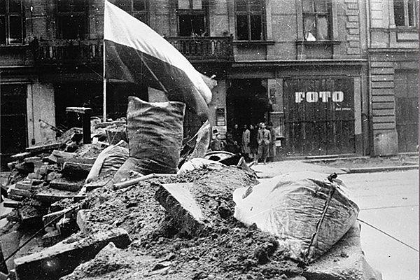 Dobroczynne widmo Warszawy 1944 roku