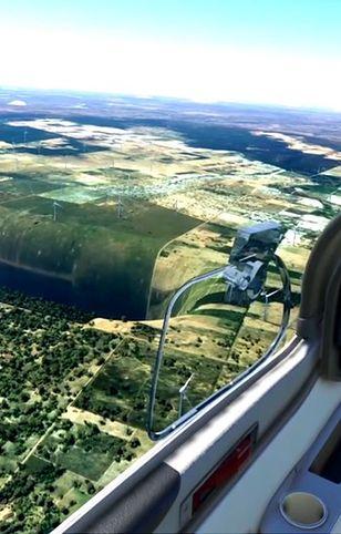 Ogromna dziura nieopodal lotniska w Brazylii. Kuriozalny błąd w Flight Simulator
