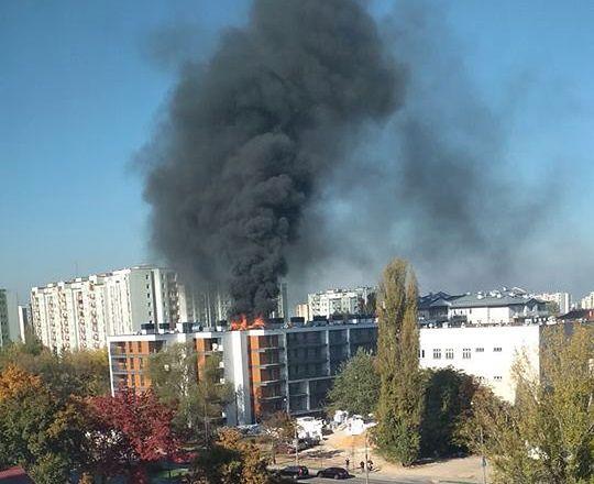 Pożar jednego z mieszkań na warszawskim Bemowie.