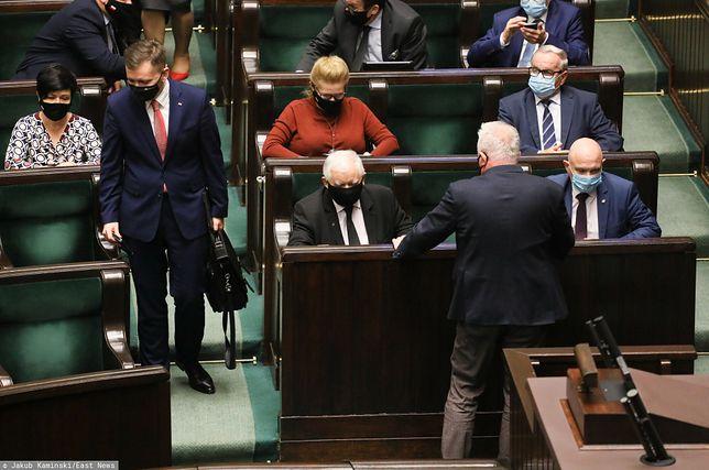 Sejm obraduje. Posłowie zajmą się m.in. ustawą dotyczącą działań przeciwko skutkom COVID-19