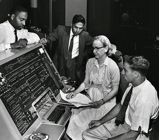UNIVAC - www.elegantcoding.com