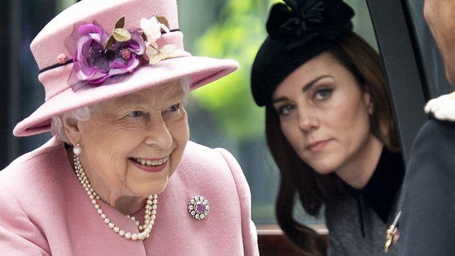 Królowa Elżbieta I i księżna Cambridge