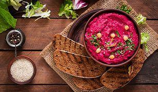 Hummus z buraka o zachwycającym kolorze