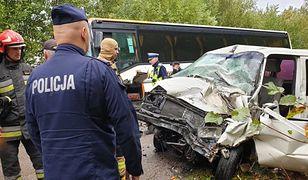 Wypadek na Podlasiu. Autobus szkolny zderzył się z autem dostawczym