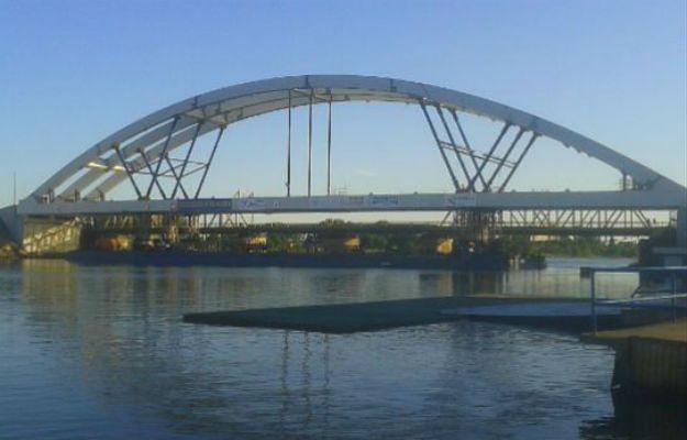 Gdańsk ma nowy most. Konstrukcja stanęła na Martwej Wiśle