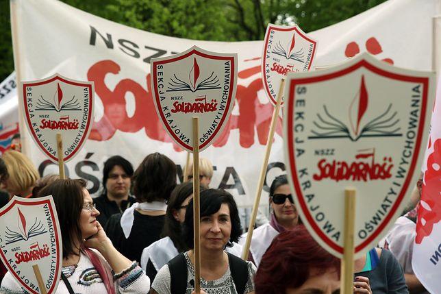 Solidarność postuluje 15 proc. podwyżki od stycznia 2018 r.