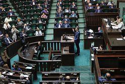 Kolejny dzień posiedzenia Sejmu. Posłowie wysłuchają informacji o działalności RMN i KRRiT