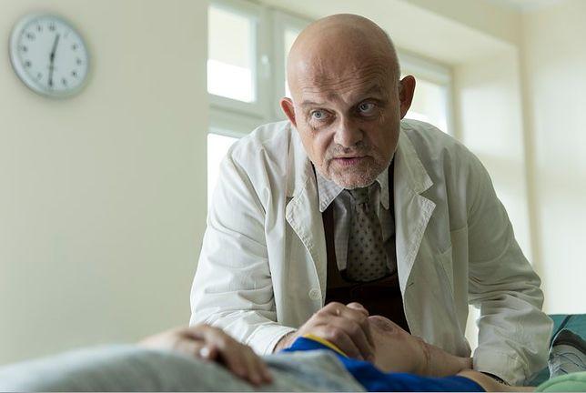 """W filmie """"Za niebieskimi drzwiami"""" Ferency grał lekarza. Wkrótce sam potrzebował opieki medycznej"""